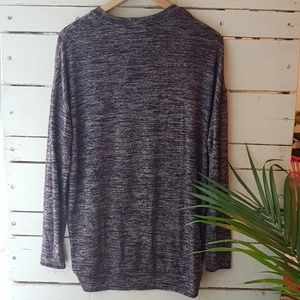 Aritzia Tops - Wilfred Free reposa long sleeve v-neck S
